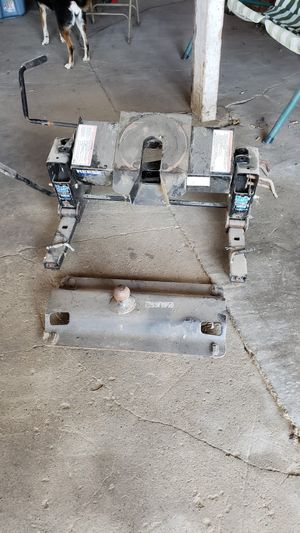 Reese Fifth Wheel Hitch for Sale in Newark Valley, NY