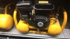 Dewalt 4 gal. gas air compressor with Subaru motor for Sale in Azalea Park, FL