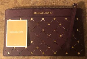**ONLY $60** BRAND NEW, NEVER USED Authentic Michael Kors Wristlet Purse/Wallet for Sale in Clinton Township, MI
