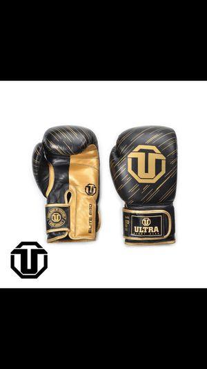 18oz boxing gloves for Sale in Oakland Park, FL