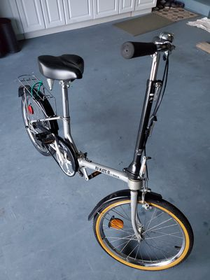 Two Dahon rv mate folding bikes for Sale in LAUD BY SEA, FL