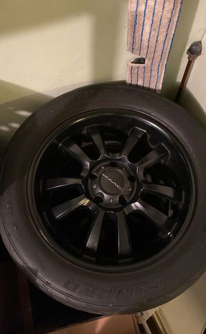 20 inch kMC rims with 285/50 r20 tires for Sale in Pittsburgh, PA