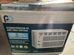 Window ac works perfect for Sale in Apple Valley, CA