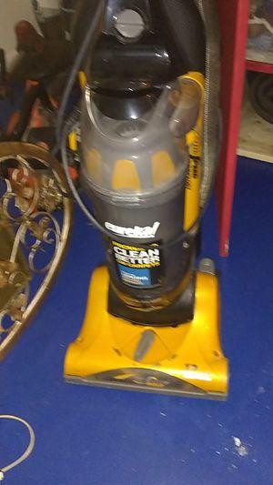 Eureka hepa filter vacuum for Sale in Auburn, GA