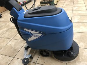 """Global industrial 17"""" cordless floor scrubber. Brand New Condition. for Sale in Farmington Hills, MI"""