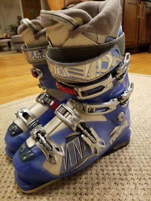 Women ski boots size 25.5 for Sale in Roselle, IL