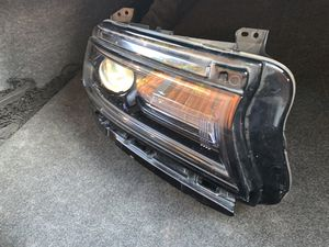 Headlight 2015-2017 Dodge Charger passenger side for Sale in San Francisco, CA