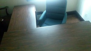 "Used L-shaped office desk with 5 drawers, 5'6""x3""9"". Cost over $600 new. Still in good shape! Comes with comfortable rolling chair. for Sale in Hillcrest Heights, MD"