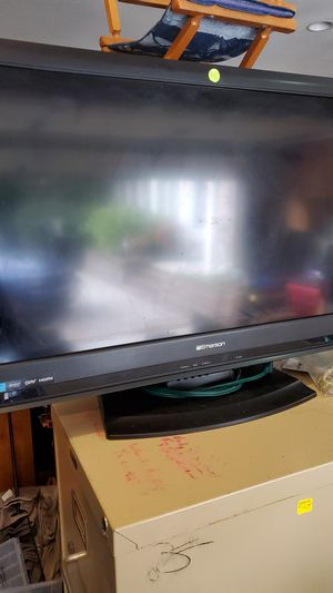 Emerson 32 inch TV for Sale in Brooklyn Center, MN