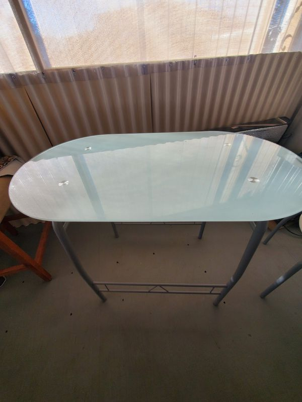 Glass oval table