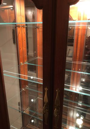 Lighted curio display cabinet (mahogany wood) for Sale in Bellevue, WA