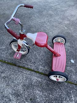 Radio Flyer Tricycle for Sale in Vancouver,  WA
