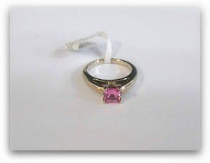 Simple but substantial Solitaire Pink Stone for Sale in San Diego, CA