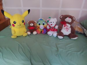 Stuffed Animals (Can be picked up and sold individually if requested) for Sale in Miami, FL