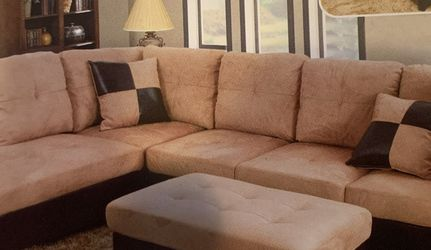 Beige Microfiber Sectional Couch And Ottoman for Sale in Renton,  WA