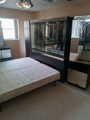 King bedroom suite for Sale in Sebring, FL