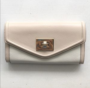NWT Authentic Kate Spade Wallet for Sale in Raynham, MA
