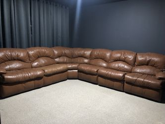 LEATHER 5 PC SECTIONAL W/SLEEPER SOFA 2 RECLINERS for Sale in Alpharetta,  GA