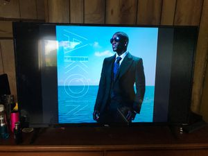 TCL 43 inch Roku smart TV with remote for Sale in Fort Lauderdale, FL