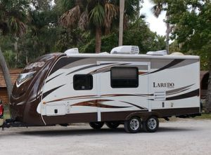 2013 Keystone Laredo 24' 1 slide rv travel trailer for Sale in Miami, FL