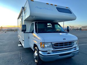 2002 fun mover class c toy hauler in excellent shape for Sale in Peoria, AZ