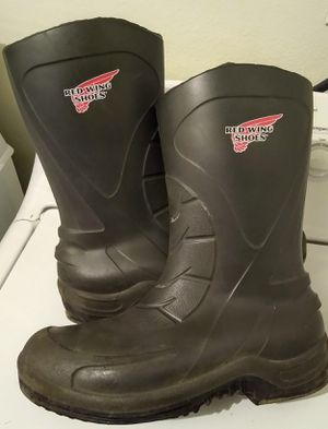 RED WING RUBBER BOOTS 59001 ASTM F 2413-11 SIZE 10.5 for Sale in Salt Lake City, UT