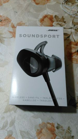Only Case with accessories New for Bose SoundSport !! No earbuds!!!! for Sale in Queens, NY