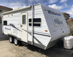 2006 Forest River Wildwood for Sale in Torrance, CA