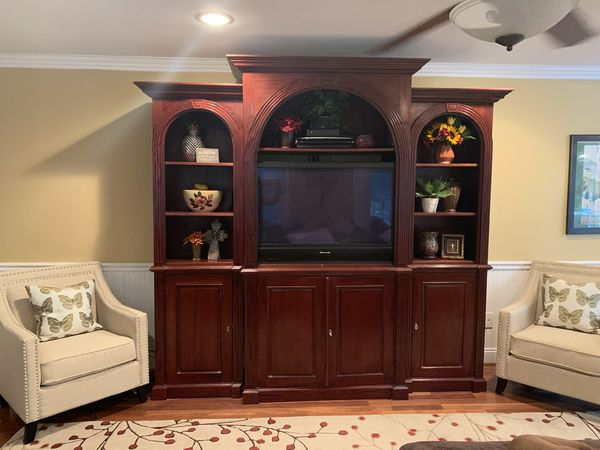 TV/Wall Unit w/matching Console Table