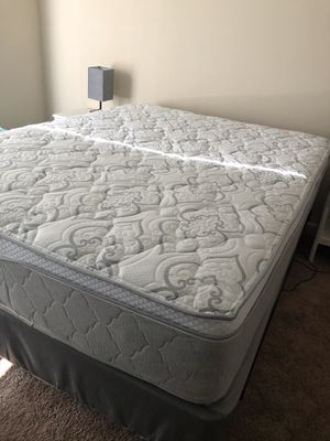 Brand new queen bed - mattress, box spring, and metal frame for Sale in Boynton Beach, FL