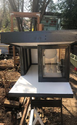 Small dog house for Sale in Seattle, WA
