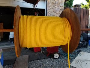 Spool with hundreds of feet of rope for Sale in Vista, CA