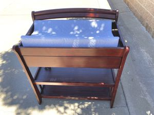 WOOD DIAPER CHANGING TABLE WITH PAD for Sale in Moreno Valley, CA