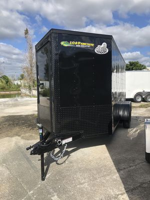 Covered Wagon Enclosed Cargo Trailer 6x14 Tándem 3500 Lb Axle for Sale in Pembroke Pines, FL