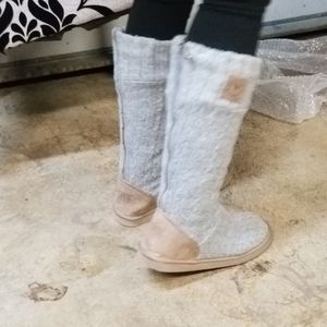Victoria Secret Boots. Tall or Booties, SZ 9 for Sale in Vancouver, WA