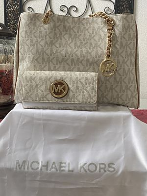 Authentic Michael Kors bag and wallet for Sale in Vacaville, CA