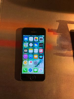 iPhone 5 16gb MD654LL/A iCloud unlocked for Sale in Los Angeles, CA