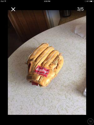 Baseball glove for Sale in San Diego, CA