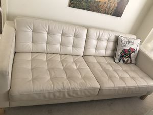 While leather couch in Weston for Sale in Fort Lauderdale, FL