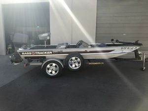 "pre owned 17ft 9"" 1982 Bass Tracker Pro 17 Boat for Sale in Turlock, CA"
