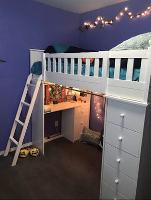 Twin Loft bunk bed with Desk for Sale in Atwater, CA