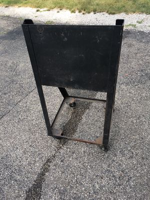 Outboard motor stand on wheels for Sale in Barrington, IL