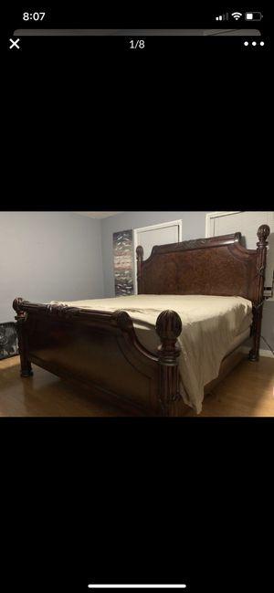Tommy Bahama Cali king bedroom set for Sale in San Bernardino, CA