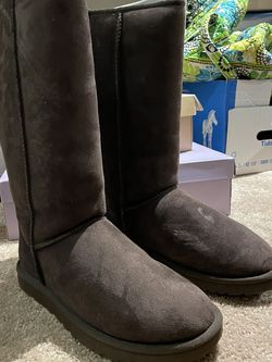 Brown Ugg's, Size 9 for Sale in Oxon Hill,  MD