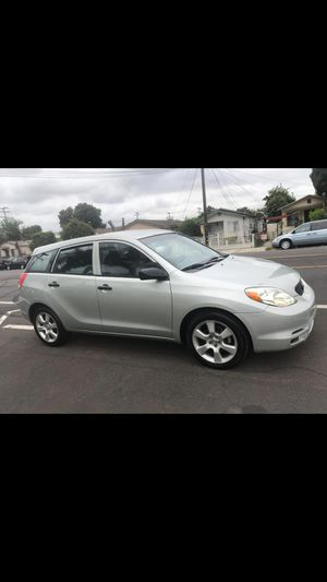 toyota matrix año 2004 titulo salvage for Sale in Los Angeles, CA