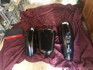 Honda shadow 2007 motorcycle front and rear fender and gas tank needs painting no dents for Sale in Arbutus, MD