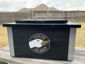 Goose Island Wooden Shell Ice Chest for Sale in Edmond, OK