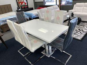 Modern glossy & chromed dining set for Sale in Lehigh Acres, FL