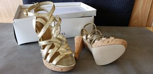 Gold Strappy Heels for Sale in Las Vegas, NV