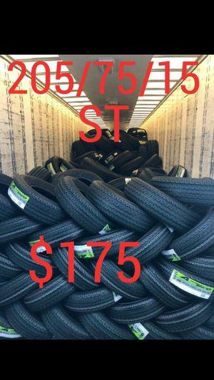 SUPER LLANTAS 205 75 15 for Sale in Phoenix, AZ